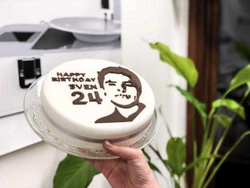 Customized-Birthday-Cake-food-printer-chocolate